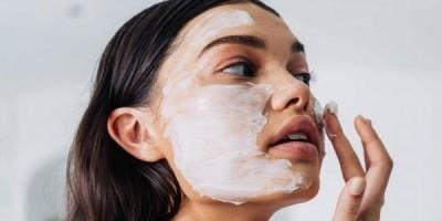 Rekomendasi Kandungan Skincare untuk Wajah Kering