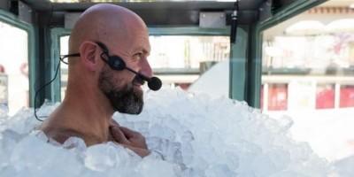 Sukses Pecahkan Rekor Kontak dengan Es Batu, Lelaki Ini Malah Minta Es Krim