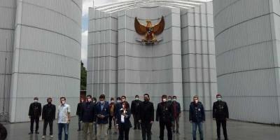 IKA Unpad Peringati Hari Sumpah Pemuda di Monumen Perjuangan Rakyat Jawa Barat