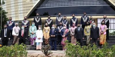 Rektor Unpad Lantik 17 Dekan dan 33 Wakil Dekan